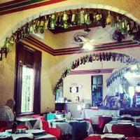 Foto diambil di Piolin Cantina e Pizzaria oleh Maria C. pada 9/9/2012