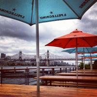 Das Foto wurde bei Anable Basin Sailing Bar & Grill von Benjamin P. am 6/1/2012 aufgenommen