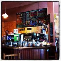 Снимок сделан в Cafe La Boheme пользователем Hanako K. 10/30/2011
