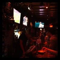 รูปภาพถ่ายที่ Snafu Bar โดย Iskender เมื่อ 9/28/2011