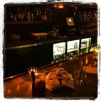 Photo prise au Vanguard Lounge par Sarkis A. le6/28/2012