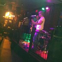 Foto tirada no(a) Darcy's Pub por Darcy em 9/5/2012