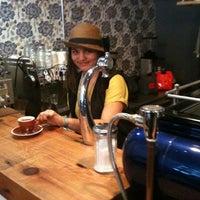 Foto diambil di Culture Espresso oleh Maarten v. pada 1/8/2011