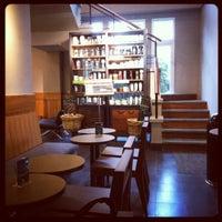 1/1/2012 tarihinde Ryan L.ziyaretçi tarafından Starbucks'de çekilen fotoğraf