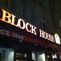 Das Foto wurde bei Block House von Dennis S. am 11/15/2011 aufgenommen