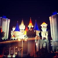 Foto scattata a Excalibur Hotel & Casino da Katie R. il 7/23/2012