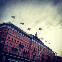 รูปภาพถ่ายที่ Grand Hôtel Stockholm โดย Feffe K. เมื่อ 4/10/2012