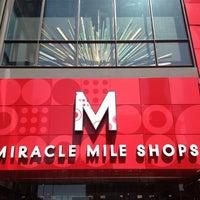 รูปภาพถ่ายที่ Miracle Mile Shops โดย Jenny N. เมื่อ 5/30/2012