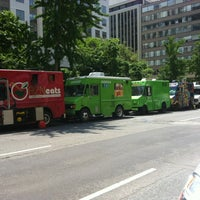 รูปภาพถ่ายที่ DC Slices โดย Tiger W. เมื่อ 5/17/2012