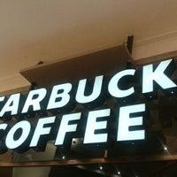 Foto tomada en Starbucks por Kike G. el 5/9/2012