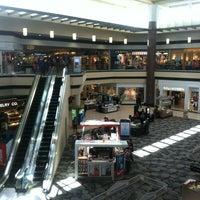 Снимок сделан в Maplewood Mall пользователем Melissa K. 3/4/2012