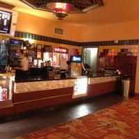 Foto tomada en Alameda Theatre & Cineplex por Rusty B. el 5/10/2012