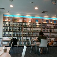 5/12/2012 tarihinde jacky s.ziyaretçi tarafından Maruay Knowledge & Resource Center'de çekilen fotoğraf