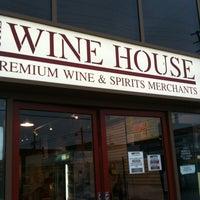 5/1/2012 tarihinde John T.ziyaretçi tarafından The Wine House'de çekilen fotoğraf