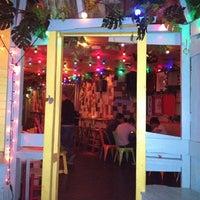 Foto tirada no(a) Barrio Soho por Francesca M. em 8/13/2012