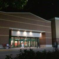 Снимок сделан в Target пользователем Susan 🌺☕️💊 M. 10/21/2011