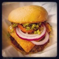 Das Foto wurde bei Maple & Motor von Dallas Foodie (. am 6/20/2012 aufgenommen