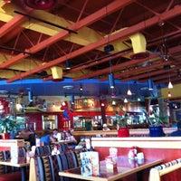 Foto tirada no(a) Red Robin Gourmet Burgers and Brews por Creekside M. em 6/14/2011