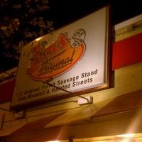 """9/7/2011 tarihinde Ryan """"Gio"""" H.ziyaretçi tarafından Jim's Original Hot Dog'de çekilen fotoğraf"""