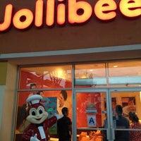 8/1/2012 tarihinde Won Ha J.ziyaretçi tarafından Jollibee'de çekilen fotoğraf