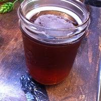 Foto tirada no(a) Bootlegger's Brewery por Ryan C. em 8/24/2012