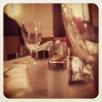 Das Foto wurde bei Il Pane e le Rose von elster e. am 12/30/2011 aufgenommen