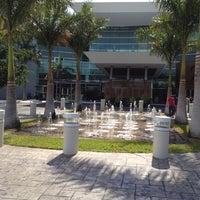 Foto tirada no(a) Plaza Altabrisa por Carlos F. em 4/6/2012