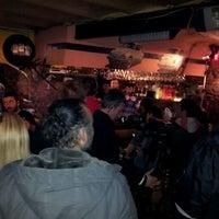 Снимок сделан в Vosvos Cafe'Bar пользователем Sebi B. 3/7/2012