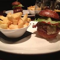 Снимок сделан в Goodman Steakhouse пользователем Kosmas A. 11/26/2011