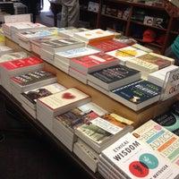 Photo prise au Politics & Prose Bookstore par Matt B. le6/9/2012
