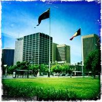 รูปภาพถ่ายที่ Victoria Square/Tarndanyangga โดย 🍁jeigh🍁 เมื่อ 10/30/2011