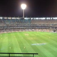 Das Foto wurde bei Melbourne Cricket Ground (MCG) von Dave L. am 6/3/2012 aufgenommen