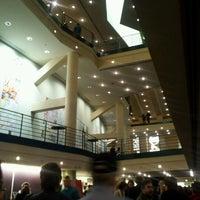 Photo prise au Temple Hoyne Buell Theater par Tori W. le12/30/2011