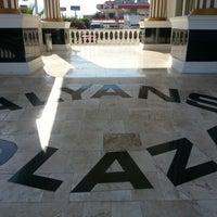 7/12/2012에 Akay D.님이 Alyans Plaza에서 찍은 사진
