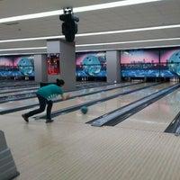 รูปภาพถ่ายที่ Rolling Ball Bowling โดย Mustafa B. เมื่อ 6/9/2012