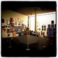 Das Foto wurde bei me Collectors Room Berlin von Yolanda G. am 8/16/2012 aufgenommen