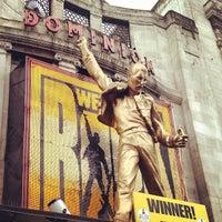 Das Foto wurde bei Dominion Theatre von Jonathan M. am 6/13/2012 aufgenommen