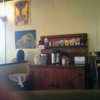 Das Foto wurde bei Drunken Monkey Coffee Bar von Jennifer K. am 7/21/2011 aufgenommen