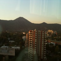 Photo prise au Courtyard by Marriott Santiago Las Condes par Pamela T. le3/16/2011