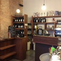 รูปภาพถ่ายที่ OR Coffee Bar โดย Karina S. เมื่อ 3/30/2012