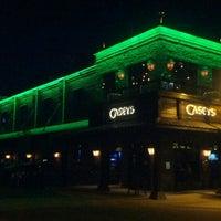 Foto tomada en Casey's Bar por Brian B. el 9/7/2012