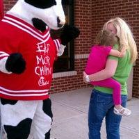 Foto diambil di Chick-fil-A oleh Bobby P. pada 10/8/2011