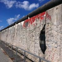 Das Foto wurde bei Baudenkmal Berliner Mauer von Ahmad am 9/6/2011 aufgenommen
