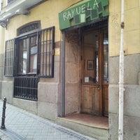 รูปภาพถ่ายที่ Taberna Rayuela โดย Pedro César M. เมื่อ 3/25/2012