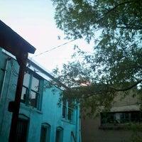 Das Foto wurde bei Criollo Latin Kitchen von Whitney M. am 6/23/2012 aufgenommen