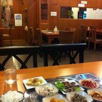 Das Foto wurde bei Full House Korean Retaurant von Cee ♪. am 8/16/2011 aufgenommen