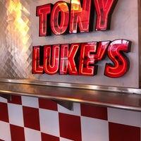 Foto scattata a Tony Luke's da Michael E. il 9/4/2011