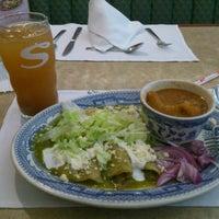 Foto tomada en Sanborns por Eduardo B. el 8/28/2012