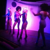 รูปภาพถ่ายที่ Cage Club Port Cratos โดย Murvet Y. เมื่อ 8/25/2012