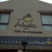 Foto tomada en La Abuela - Casa de empanadas por Xplor el 8/27/2012